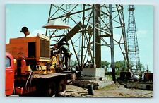 TEXAS OIL DRILLING RIG - VINTAGE POSTCARD - O1