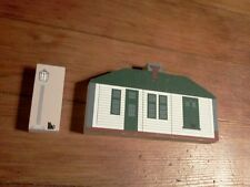 The Cat's Meow Village #132 Lionelville Train Station Lionel Lamp Post Lionel