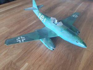 Messerschmitt ME 262 Modell (gebaut und bemalt) Maßstab 1:32