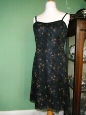 *R*   LAURA ASHLEY  Ladies Size 12 Stunning Silk Cocktail Dress