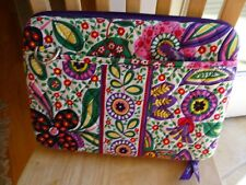 VERA BRADLEY BIBLE/BOOK COVER/TABLET CARRIER-ZIPS CLOSE-PADDED INSIDE-2 POCKETS