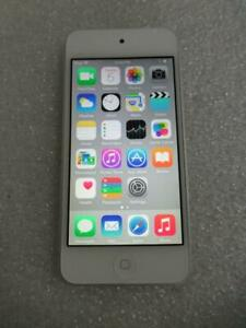 Apple iPod 5th Gen Touch A1421 32GB Silver iPod Touch