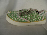 BNWT Little Girls Sz 8 Rivers Doghouse Brand Green Floral Lace Up Jogger Shoes
