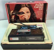 Vintage GAF Pocket Camera 220 With Box, 2 Flash Cubes, Magicube Extender