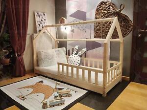 Kinderbett Bonnie Holzbett Häuschenbett Kinderhaus Bett Sicherheitbarieren Farbe