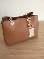 Michael Kors Cynthia Medium Leather Satchel - delivery before Christmas UK only