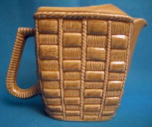 Krug Wasser- aus Keramik Französisch