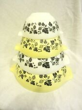 Vintage 4 Bowl Pyrex Cinderella Mixing Set Gooseberry Yellow Black White (Lk)