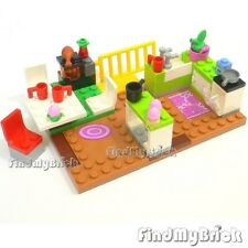 """Lego Family House Kitchen & Access. -"""" Items bidding on are seen in the Photo """""""