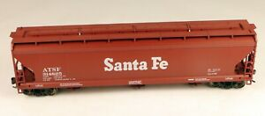 Accurail #2002 3 Bay Centerflow Covered Hopper ATSF #314825 1/87 HO Scale