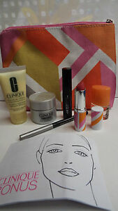 Clinique 7 piece Lipstick Mascara Repairwear DD Moisturizer Happy Bag