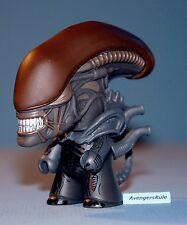 AVP Whoever Wins Collection Titans Vinyl Figures Alien 2/20