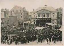 SEDAN c. 1930 - Cérémonie Place de l' Hôtel de Ville Ardennes - PRM 288