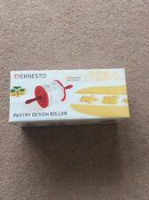 BNIB Ernesto Pastry Design Roller
