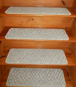 "17  Step  9"" x 30"" + 1  Landing  30"" x 30""  Stair Treads 100% Wool  Carpet"