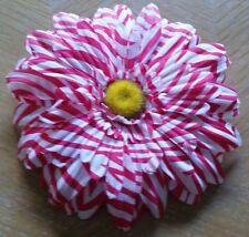 Flower Hair Clip, White/Pink Daisy Flower (Never Used)