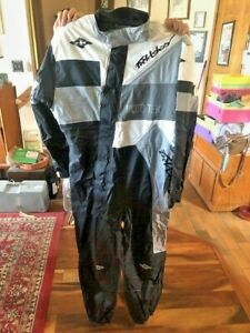Moto Tek Motorcycle suit-Style 308, LARGE, Like new, no rips, tears, or stain