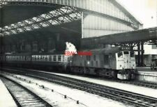 PHOTO  (2) BR CLASS 25 NO 25 039 EX D5189 AT BRISTOL TEMPLE MEADS ON A TAUNTON -