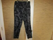 (1290652 002) NWT Under Armour Camo Cargo Pants black grey sz L Mens $70