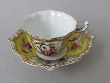 Mini tasse porcelaine de Meissen, décior de scènes galantes
