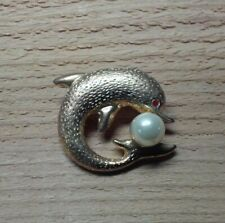 """Vtg Textured Gold Tone Dolphin Porpoise Playing w Faux Pearl """"Ball"""" Brooch Pin"""