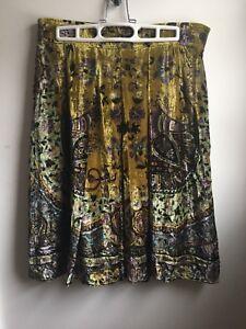 ETRO Women's Skirt  3/4 Length Silk Blend Green  Velvet Skirt Size Euro 42 US 6