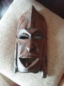 WOODEN TRIBAL AFRICAN  FACE MASK/DECORATIVE WALL HANGING CARVED HEAD