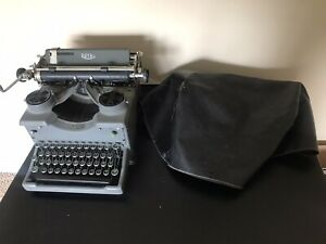 Vintage 1932/33 Royal Typewriter Keys Types Well and has original cover all good