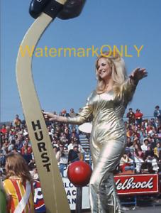 "Linda Vaughn ""Miss Hurst Golden Shifter"" HOT ""Pin Up"" PHOTO! #(22b)"