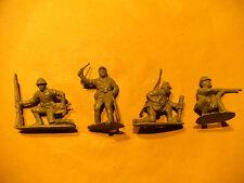 4 Figuren  1. Weltkrieg  kleine Soldaten Säbel Bajonett Mörser