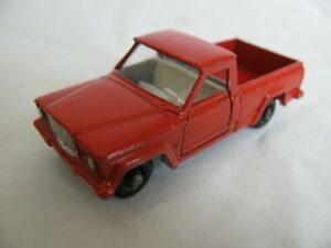 1960s Lesney Matchbox Red Jeep Gladiator Pickup Truck w/ Opening Doors #71 EX