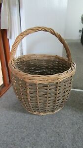 Quality Vintage ? Large Wicker Basket Shopping Basket in Lovely Condition