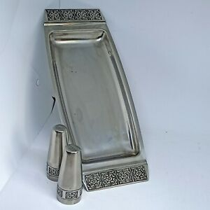 """WILTSHIRE """" BURGUNDY"""" SANDWICH TRAY + SALT AND PEPPER SHAKERS"""