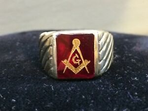 10K YELLOW GOLD SOLID & SYNTHETIC RUBY MASONIC RING ~ SIZE 10