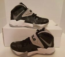 Nike Zoom Soldier VII Lebron James 610343-001 Blk/Gry Basketball Women's 5 NEW
