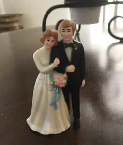 "Vintage Caucasian Bride & Groom Wedding Cake Topper Couple 4.5"" Ivory Version"