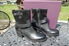 NIB Clarks Ladies Black Leather & Suede Ankle Boots Side Zip Size 7 1/2 M