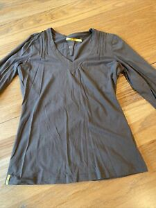 LOLE BROWN stretch V neck gathered 3/4 Sleeve top sz M