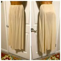 VTG 70'S VANITY FAIR IVORY W/ LACE TRIM LONG NYLON HALF SLIP SZ M