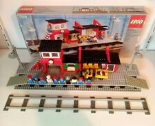 Lego train station 7824 with box and notice bright colors!! Top!
