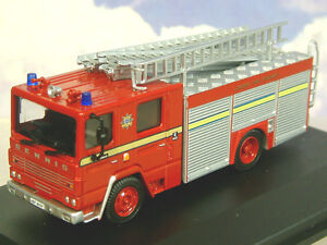 "OXFORD 1/76 DENNIS RS FIRE ENGINE LONDON FIRE BRIGADE ""LONDON'S BURNING"" 76DN001"