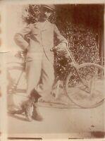 ---- FOTO DEL 1910ca - RAGAZZO CON BICICLETTA