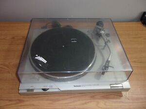 TECHNICS SL-D2 DIRECT DRIVE AUTOMATIC TURNTABLE SYSTEM