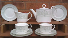 ROYAL WORCESTER - ALLEGRO - SELECTION OF TABLEWARES.