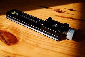 Hejnar Photo E033 Arca Swiss -Compatible Nodal Rail with F012 Screw Knob Clamp