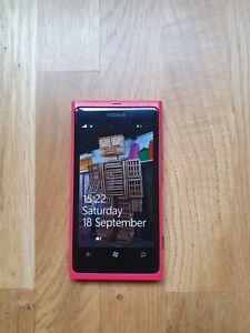 Nokia Lumia 800 - 16GB - Red (Unlocked) Smartphone