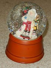 MACY'S HOLIDAY TIME MUSICAL SNOW GLOBE WE WISH YOU A MERRY CHRISTMAS NIB