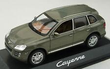 Porsche, scala 1.43 modello dell' CAYENNE LUCE VERDE METALLIZZATO