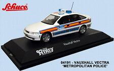 SCHUCO 04191 VAUXHALL VECTRA HATCHBACK model car METROPOLITAN POLICE 1:43rd