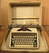 1960s Vintage Olympic Deluxe Typewrite With Case and Cover
